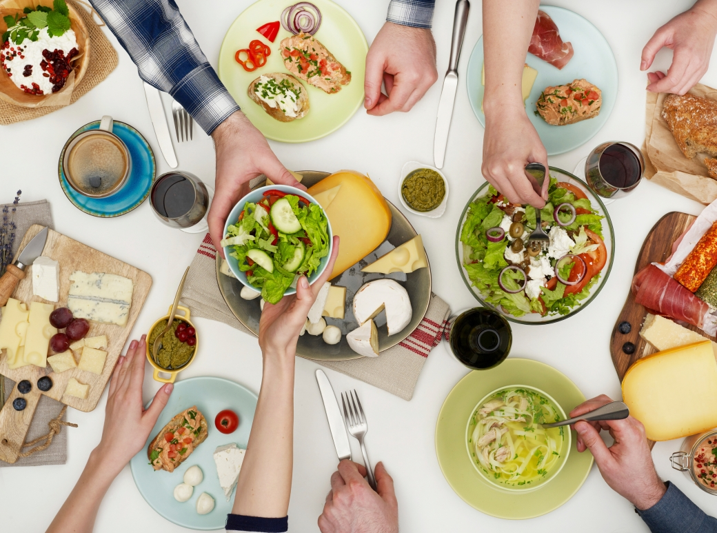 You can be social yet restrictive while eating out